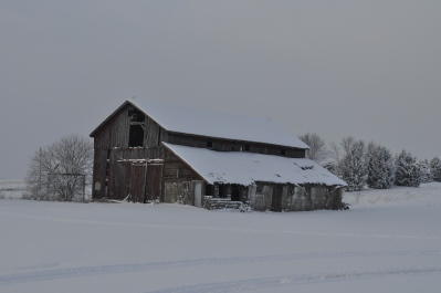 Abandoned, deteriorated barn